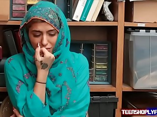 Hot Muslim Teen Shoplyfter Caught & Harassed