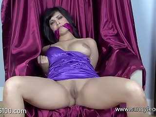 Sunny leone trying to get rid of bondage @bigtits100.com